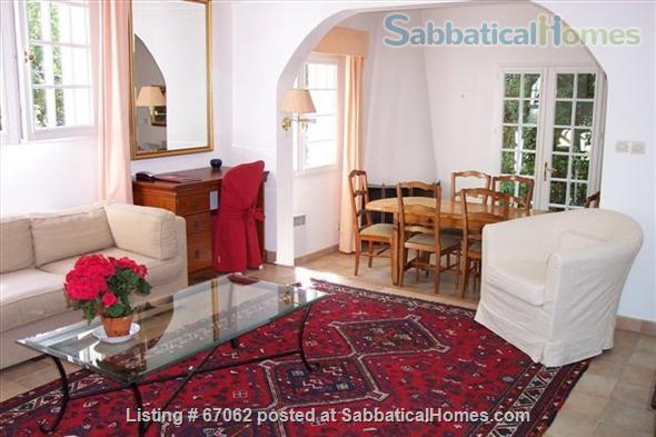 Lovely 3 bedroom - 2 bath home in peaceful setting, 2 miles from the historic center, lovely environment.  Home Rental in Aix-en-Provence, Provence-Alpes-Côte d'Azur, France 4